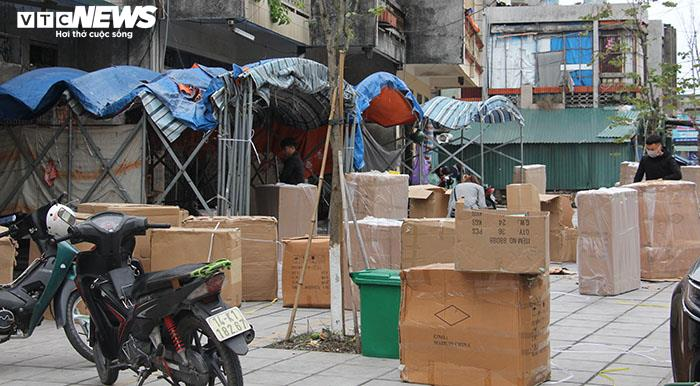 Ảnh: Hai chợ sầm uất nhất Móng Cái đóng cửa, gần 1.000 hộ ngừng kinh doanh - 18