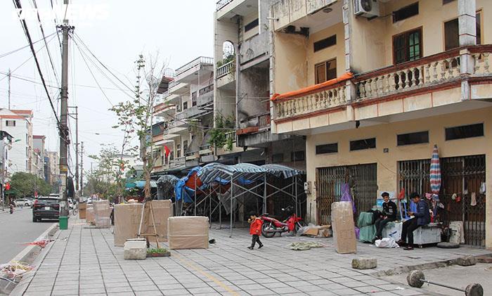 Ảnh: Hai chợ sầm uất nhất Móng Cái đóng cửa, gần 1.000 hộ ngừng kinh doanh - 19