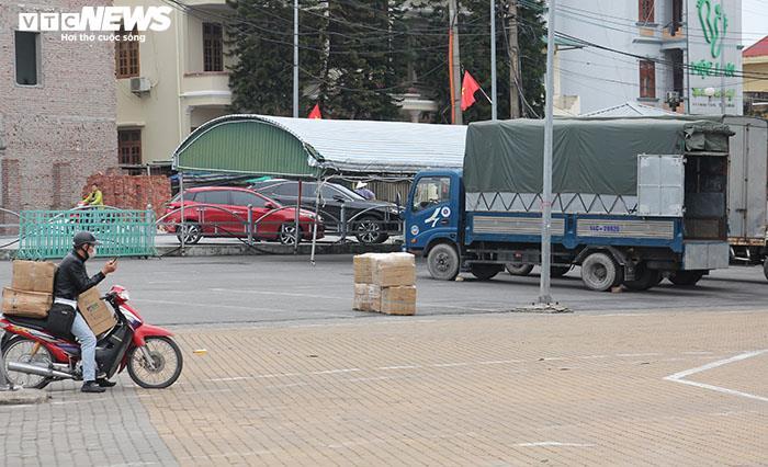 Ảnh: Hai chợ sầm uất nhất Móng Cái đóng cửa, gần 1.000 hộ ngừng kinh doanh - 5