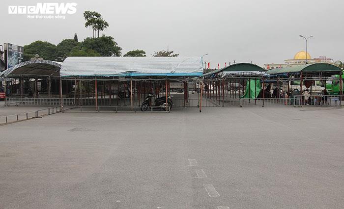 Ảnh: Hai chợ sầm uất nhất Móng Cái đóng cửa, gần 1.000 hộ ngừng kinh doanh - 6