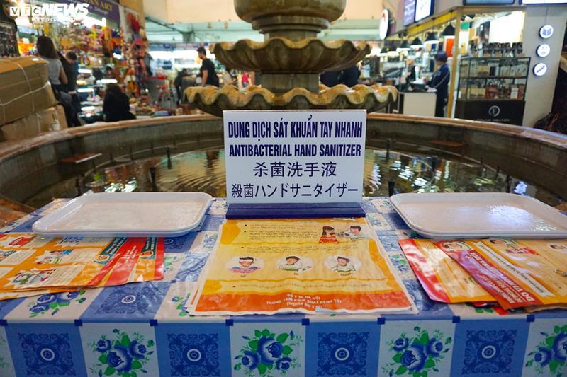 'Đói' hàng, vắng khách, tiểu thương chợ Đồng Xuân chỉ bán hàng nửa buổi - 3