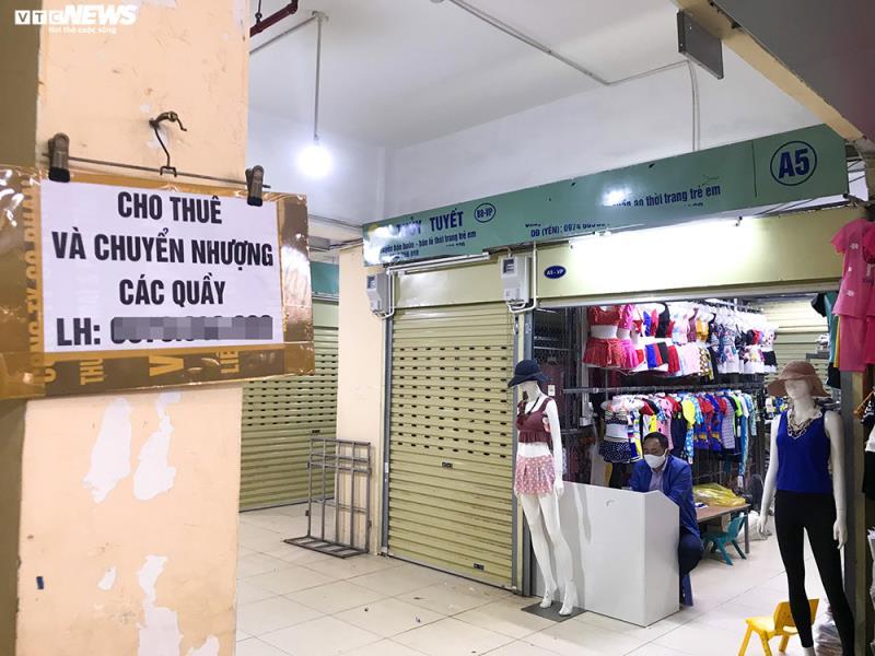 'Đói' hàng, vắng khách, tiểu thương chợ Đồng Xuân chỉ bán hàng nửa buổi - 12