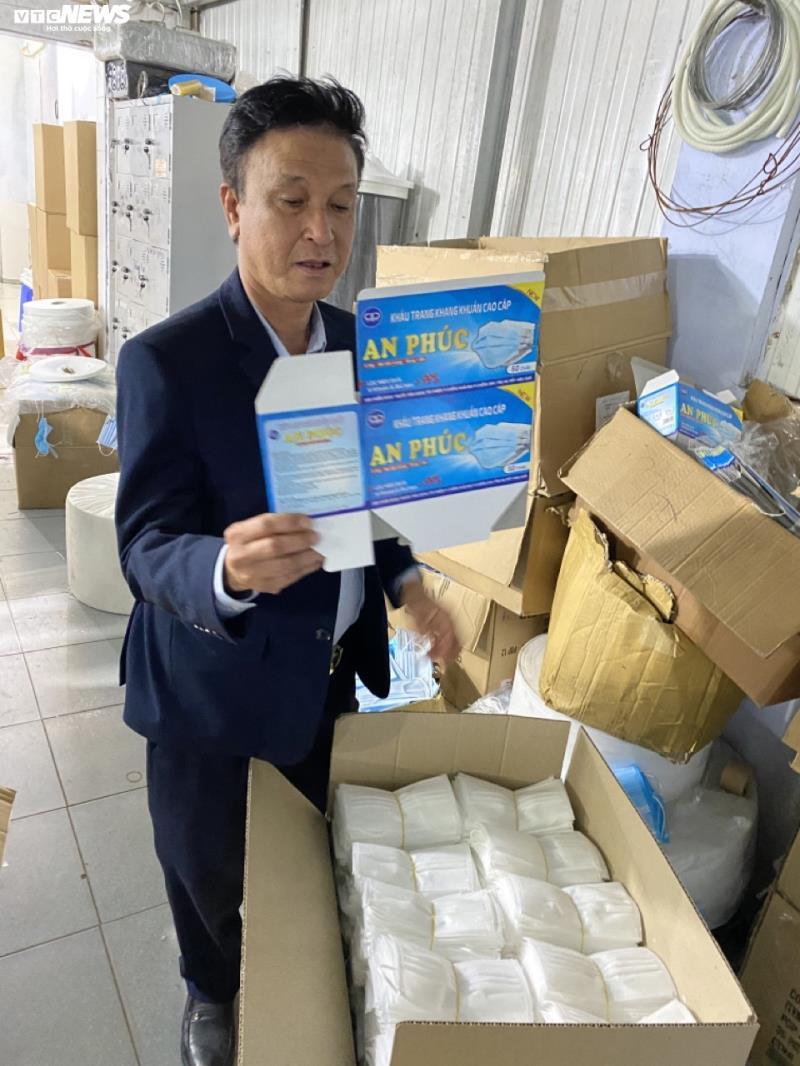 Ảnh: Cảnh sản xuất khẩu trang lộn xộn, nghi kém chất lượng ở Bắc Ninh - 1