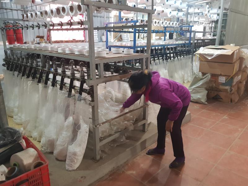 Ảnh: Cảnh sản xuất khẩu trang lộn xộn, nghi kém chất lượng ở Bắc Ninh - 12