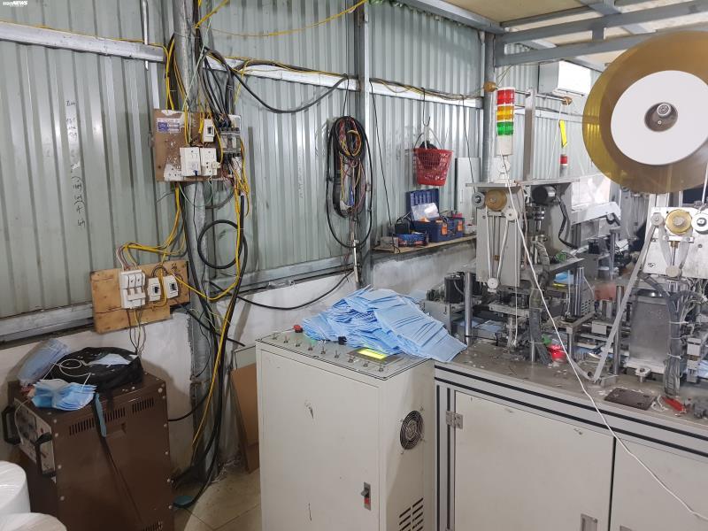 Ảnh: Cảnh sản xuất khẩu trang lộn xộn, nghi kém chất lượng ở Bắc Ninh - 11