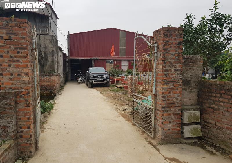 Ảnh: Cảnh sản xuất khẩu trang lộn xộn, nghi kém chất lượng ở Bắc Ninh - 7