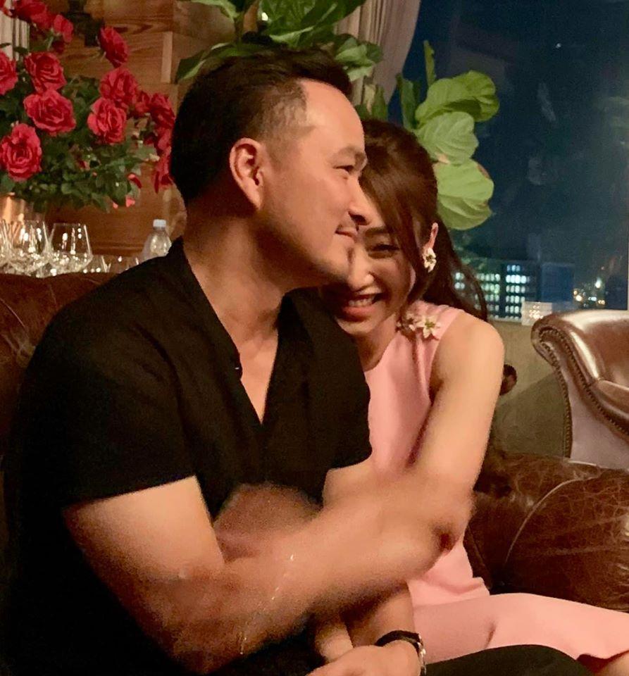 Chi Bảo sau 2 lần ly hôn: Dắt người yêu mới kém 16 tuổi