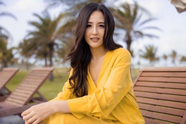 """Đăng quang """"Hoa hậu Việt Nam 2006"""", Mai Phương Thuý lại có lối sống kín tiếng hơn so với nhiều người đẹp khác, ngoài nghệ thuật cô cũng có hoạt động kinh doanh riêng."""