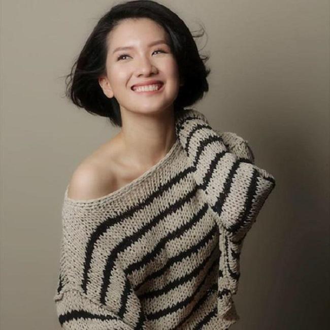Dù bước sang tuổi 33 song nhan sắc của Huyền Trang vẫn không ít lần được người dối diện trầm trồ khen ngợi trẻ và xinh như hot girl.