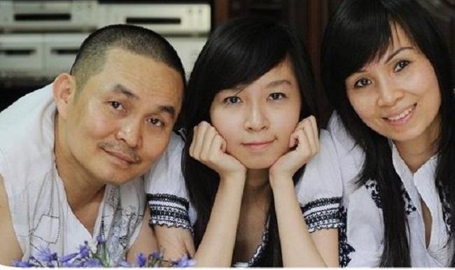 Bảo Linh thừa hưởng từ nét đẹp thanh tú từ mẹ và sự hiền hậu của cha.