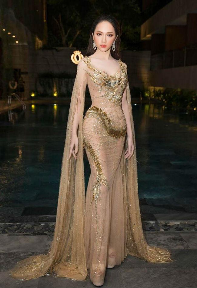 Hoa hậu Hương Giang mặc chiếc váy dạ hội xuyên thấu màu nude, khoe vóc dáng vạn người mê.