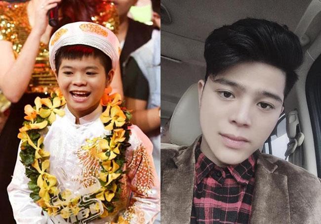 """Tham gia """"The Voice kids"""" mùa đầu tiên cùng Phương Mỹ Chi, Quang Anh giành giải Quán quân. Khác với Mỹ Chi, cậu bé sinh năm 2001 không tham gia các hoạt động showbiz mà dành thời gian cho việc học."""