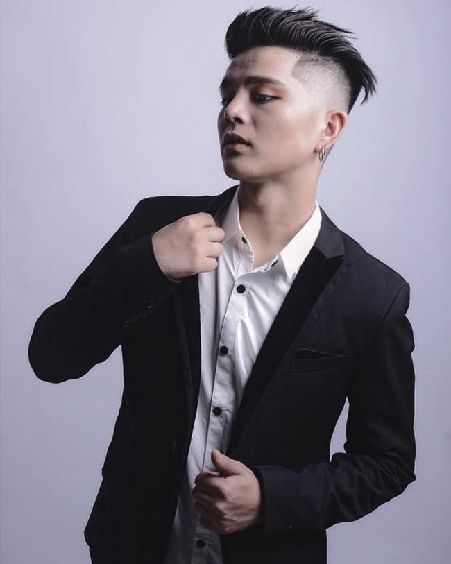 """Sau 6 năm, Quang Anh khiến nhiều người """"sốc"""" vì sự lột xác từ ngoại hình đến phong cách."""