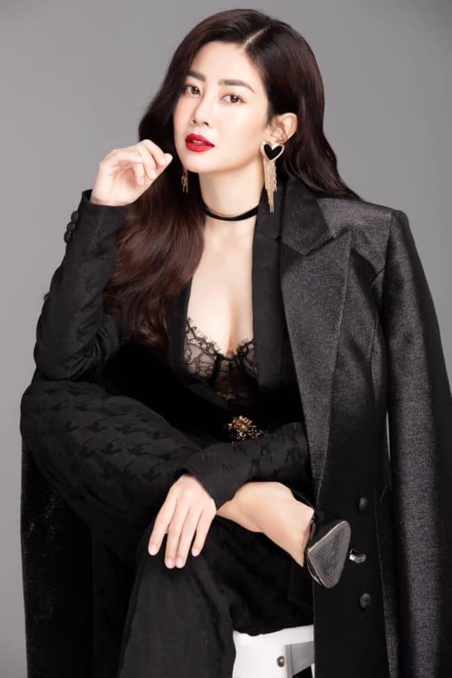 Hình ảnh mới nhất của Mai Phương sau khi đã trở lại với công việc khiến nhiều người bất ngờ với thần thái, nhan sắc của bà mẹ một con.
