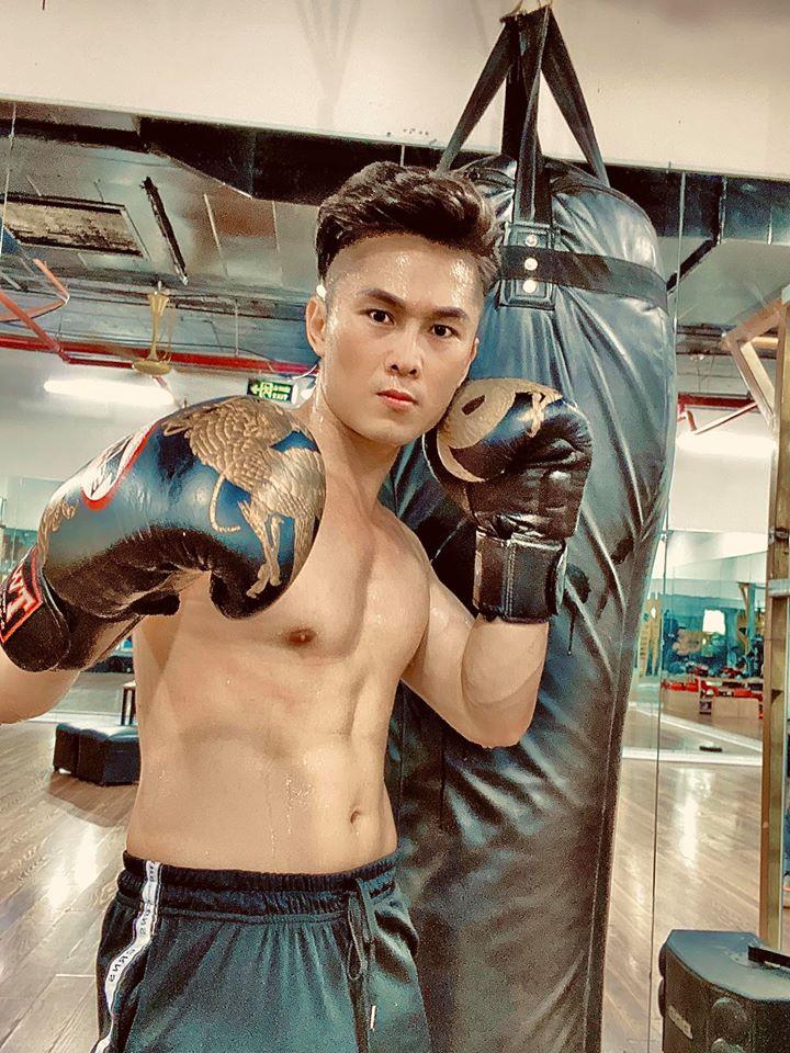 Chỉ trên dưới 1m70 nhưng Đan Trường, Phan Đinh Tùng...vô cùng tráng kiện - 6