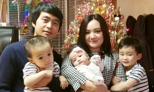 Sau 4 năm kết hôn, Xuân Mai hiện tại đã là bà mẹ của 3 đứa con.