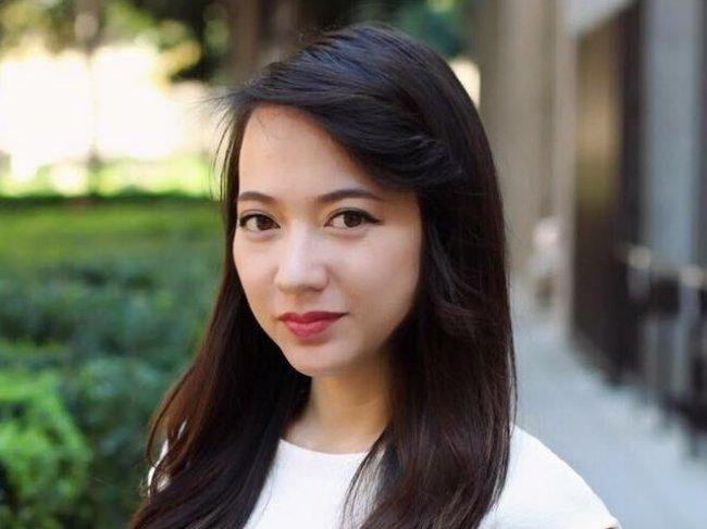 """Tuy nhiên, khi đó, Xuân Nghi đã quyết định từ bỏ tất cả để đi du học và """"đầu quân"""" vào trường đào tạo nghệ sĩ danh tiếng ở bang California của Mỹ.Trong những năm tháng định cư tại Mỹ, Xuân Nghi luôn ấp ủ việc trở lại với âm nhạc."""