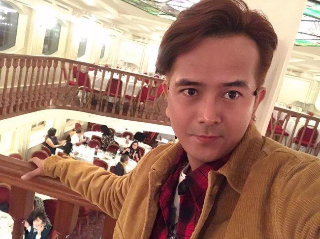 """Hùng Thuận sau đó tiếp tục theo đuổi nghệ thuật và tham gia nhiều dự án phim khác như """"Cổng mặt trời"""", """"Dòng đời"""", """"Yêu từ thuở nào""""…"""