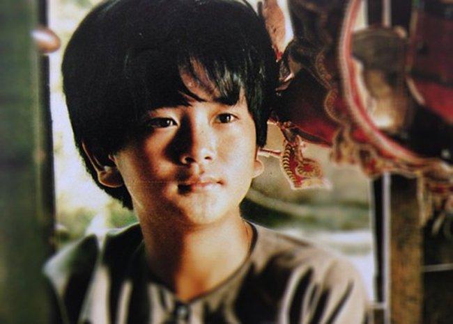 """Tuy nhiên, dù rất nỗ lực nhưng Hùng Thuận vẫn không thể thoát khỏi cái bóng của """"bé An"""" trong Đất phương Nam năm nào. Chia sẻ về việc không có vai diễn đột phá so với """"bé An"""", Hùng Thuận cho rằng đó là chuyện bình thường của một nghệ sĩ."""