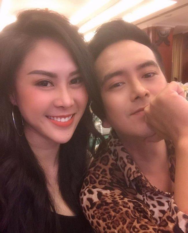 Sau cuộc hôn nhân đầu tan vỡ, Hùng Thuận hiện đang hẹn hò với DJ Mimo. Cả hai đã hẹn hò từ đầu năm 2017 nhưng mãi tới đầu năm 2018, cặp đôi mới công khai mối quan hệ.