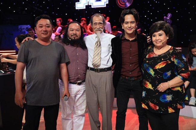 """Vào tháng 1/2019, Phùng Ngọc xuất hiện trong chương trình """"Ký ức vui vẻ"""" và hội ngộ dàn diễn viên của bộ phim """"Đất phương Nam""""."""