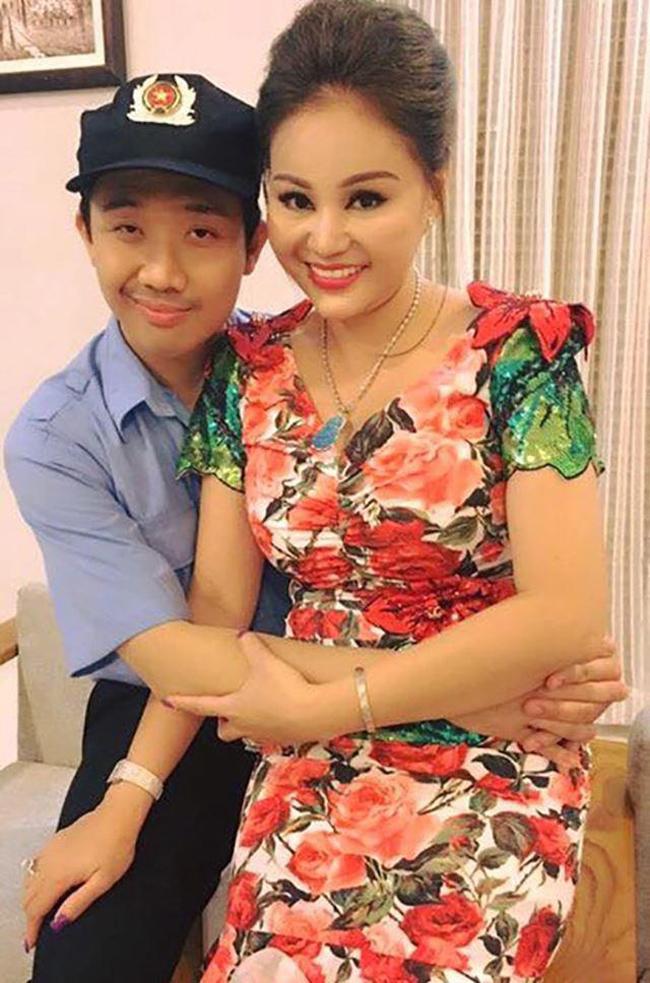 Bản thân Lê Giang từng chia sẻ, cô cảm thấy may mắn khi có Trấn Thành bên cạnh trong sự nghiệp của mình.