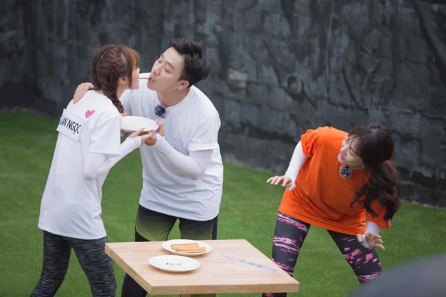 Cả hai sẵn sàng thực hiện nhiều thử thách khó ngay trước mặt Hari Won.