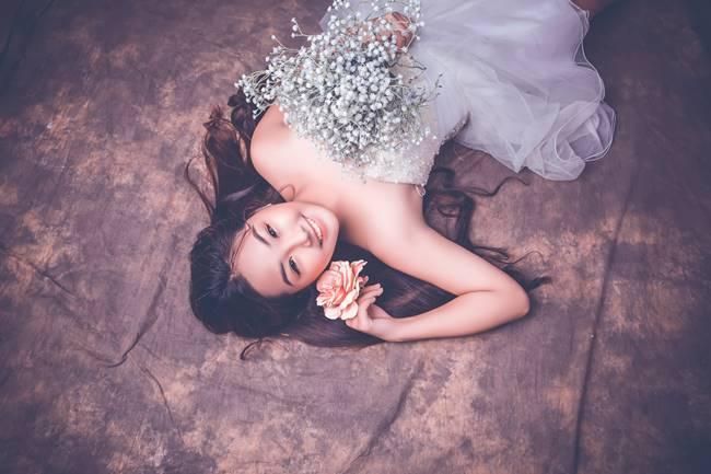 Khánh An nổi bật với gương mặt xinh xắn, đáng yêu.