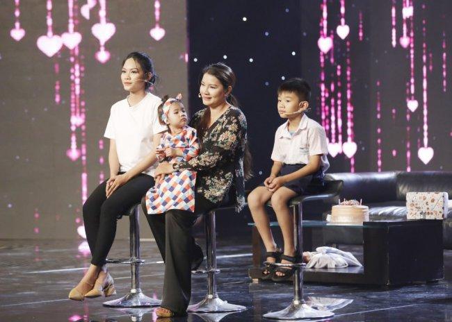 Hiện tại, Kiều Trinh vẫn ở nhà thuê tại Sài Gòn để tiện cho công việc và việc học tập của các con.