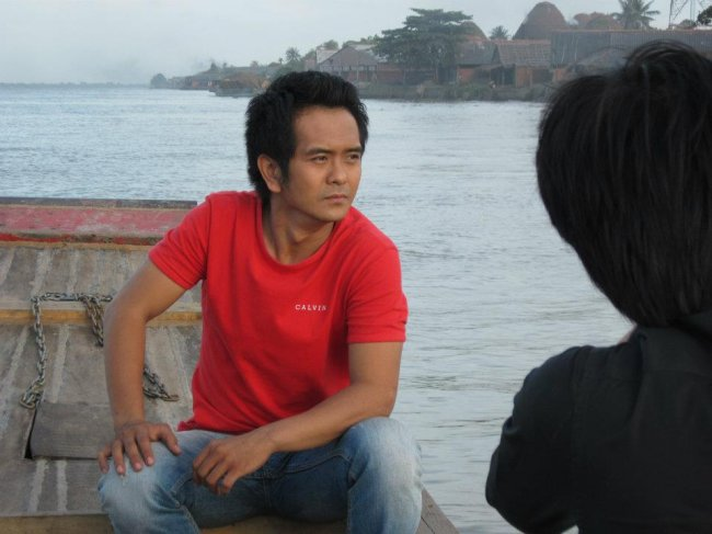 Dù nghề diễn gặp nhiều khó khăn nhưng Hùng Thuận khẳng địnhvẫn quyết tâmtheo đuổi con đường này.