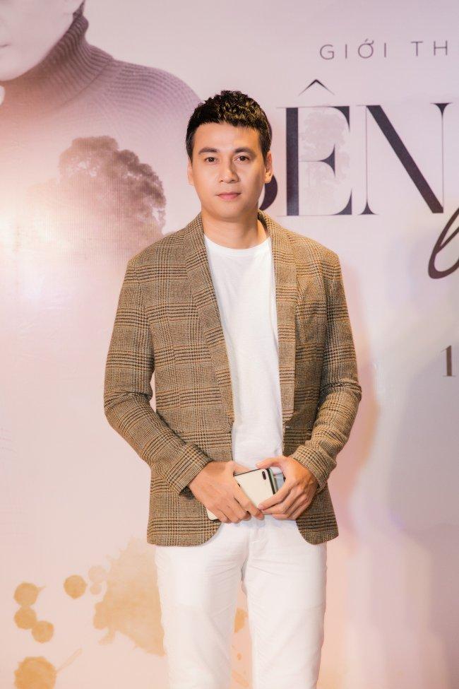 Theo Ngọc Thuận, không thể trông chờ vào cát-xê phim để sống, nam diễn viên quyết định dừng đóng phim sau 10 năm theo đuổi để đi xa làm ăn cùng bạn bè.