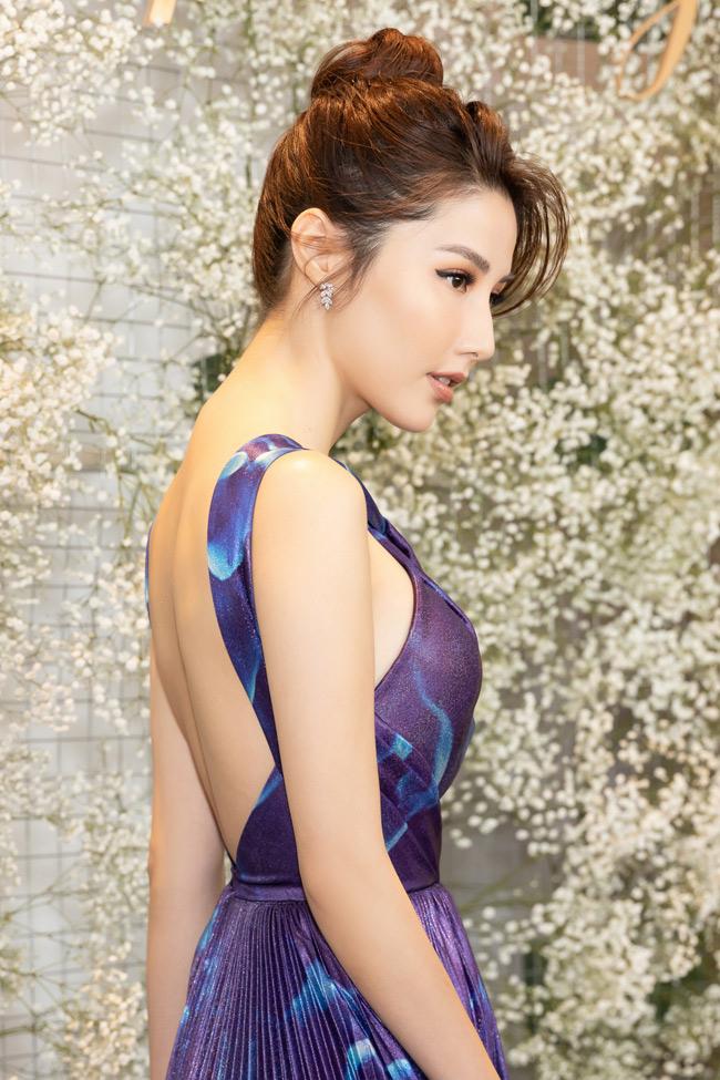 Nữ diễn viên tỏa sáng trong những vai diễn của các tác phẩm Gái già lắm chiêu (2016), Cô ba Sài Gòn, Chạy đi rồi tính...