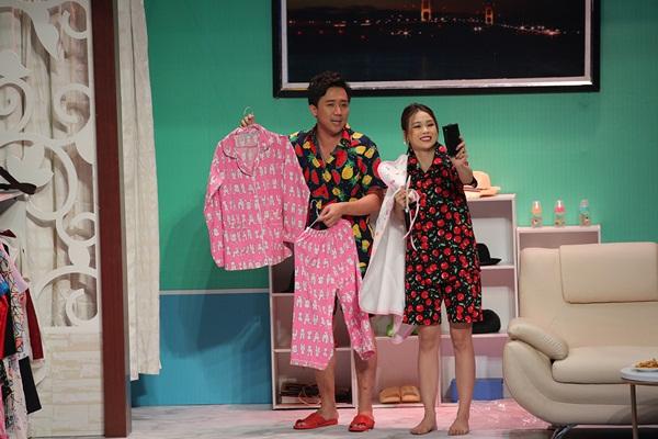 Mỹ nhân Việt sở hữu 50 tỷ tuột váy thành đồ ngủ trong trên truyền hình - 2