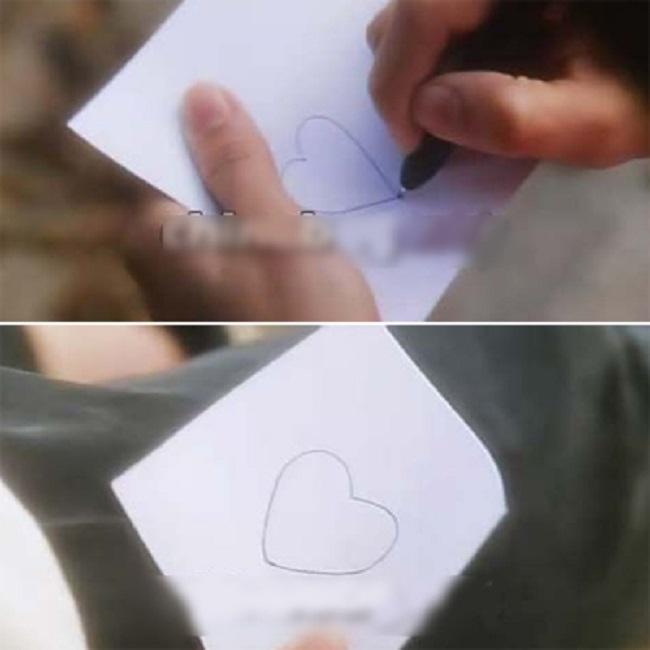 """Trong """"Thần ăn"""", nhân vật do Mạc Văn Úy đóng vẽ hình trái tim nhưng khi lấy thân che chắn cho Châu Tinh Trì và ngã xuống, hình trái tim trong tay Mạc Văn Úy thay đổi về hình dáng."""