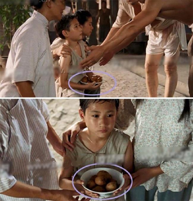 Trong cảnh một gia đình mang đồ ăn đi cảm ơn người cứu mạng. Khi quỳ gối, chiếc bát đầy ắp nhưng lúc đứng lên, đồ ăn bị vơi đi như có ai vừa ăn bớt vậy