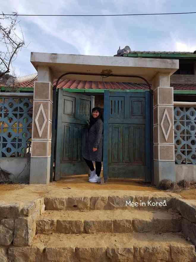 Giới trẻ check-in ngôi làng Triều Tiên mộc mạc trong 'Hạ cánh nơi anh' - 7