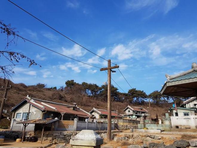 Giới trẻ check-in ngôi làng Triều Tiên mộc mạc trong 'Hạ cánh nơi anh' - 17