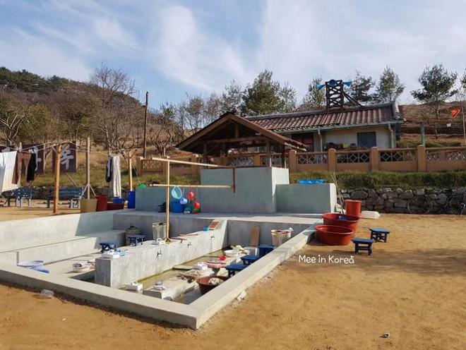 Giới trẻ check-in ngôi làng Triều Tiên mộc mạc trong 'Hạ cánh nơi anh' - 18