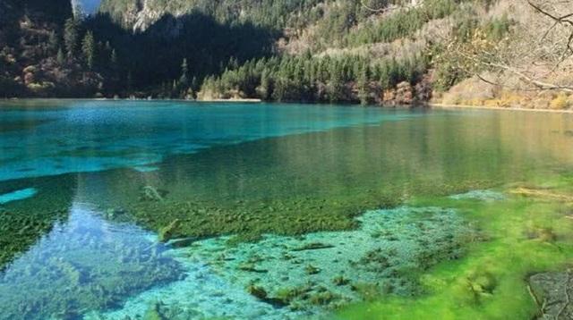 3 hồ nước khủng khiếp nhất thế giới, 1 hồ nóng quanh năm và 1 hồ giết người vô hình - 2