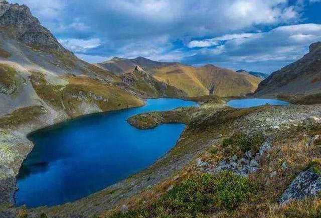 3 hồ nước khủng khiếp nhất thế giới, 1 hồ nóng quanh năm và 1 hồ giết người vô hình - 1