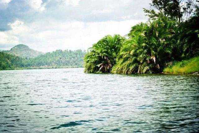 3 hồ nước khủng khiếp nhất thế giới, 1 hồ nóng quanh năm và 1 hồ giết người vô hình - 5