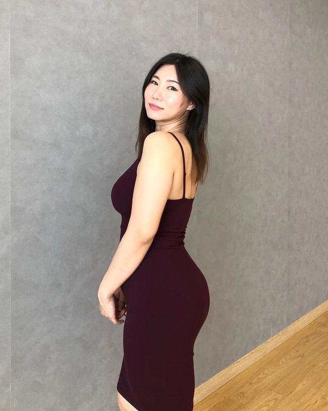 Trai trẻ 25 tuổi mê đắm chị gái U40, nhìn thân hình cô ấy ai cũng hiểu lý do - 5