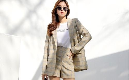 Cô gái Trung Quốc mặc ngắn cũn đi làm, cánh đàn ông phản ứng thế nào? - 3