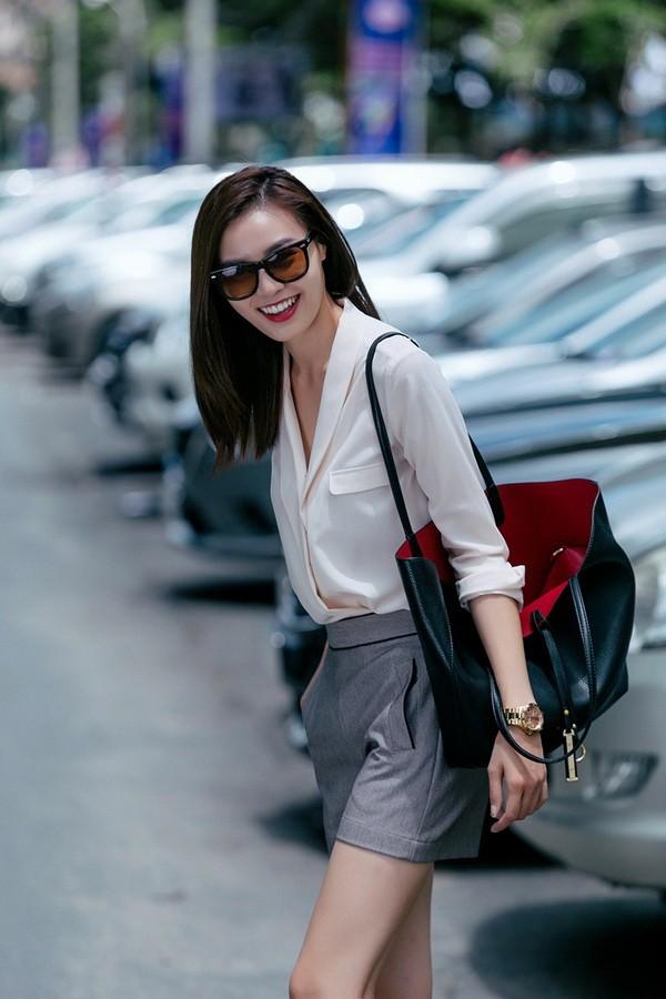 Cô gái Trung Quốc mặc ngắn cũn đi làm, cánh đàn ông phản ứng thế nào? - 7