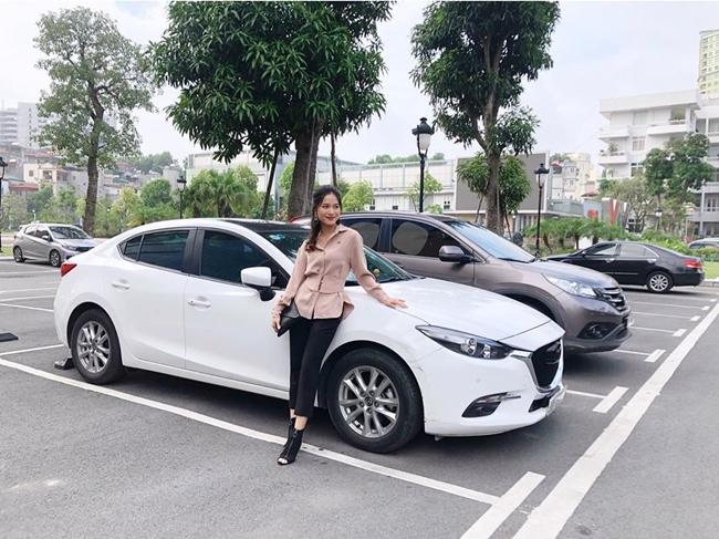 Chia sẻ trên một tờ báo điện tử, Mai Trang cho biết, từ năm 17 tuổi cô đã xác định được mục tiêu và mong muốn của bản thân là có nhà, có xe trước năm 27 tuổi.