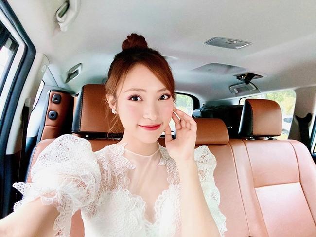 Dịp Tết Nguyên đán vừa rồi, Khánh Vy chia sẻ những thành quả đạt được sau 3 năm nổi tiếng: Tự mua được đất tặng bố mẹ, mua xe hơi riêng....