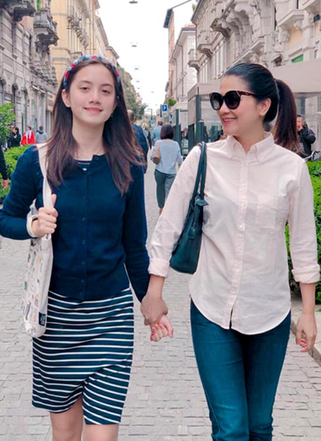 Giulia(sinh năm 2006) là con gái đầu lòng của Kim Ngân.