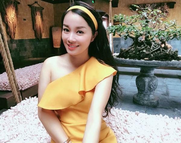 Kín đáo khi lên sóng, ngoài đời BTV Minh Hương có gu thời trang cực kỳ gợi cảm và sành điệu - 8
