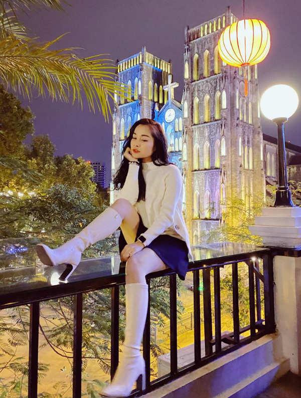 Kín đáo khi lên sóng, ngoài đời BTV Minh Hương có gu thời trang cực kỳ gợi cảm và sành điệu - 12