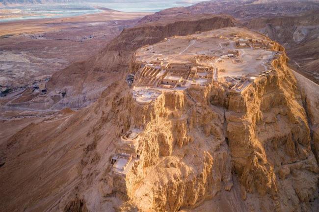 Những kỳ quan ẩn náu giữa sa mạc khắp thế giới - 1